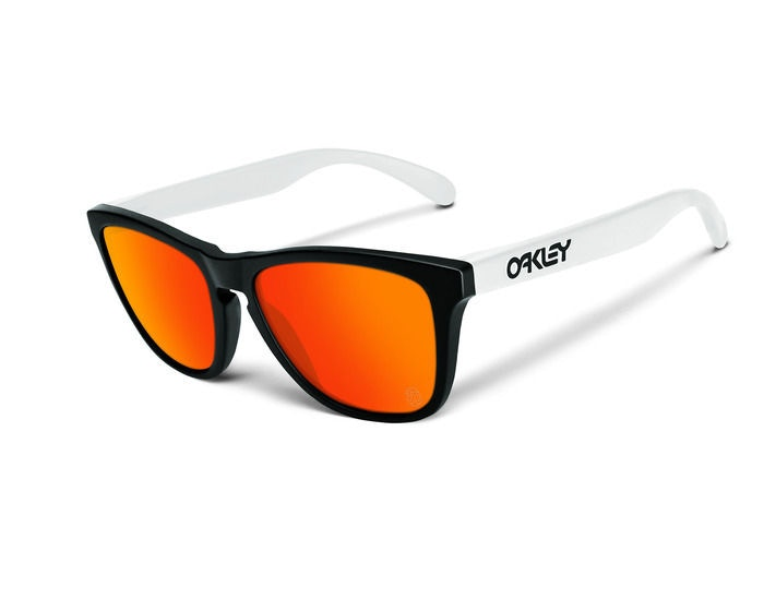 Tap into your inner 80s with these new Oakley Special Edition Heritage Razor Blades