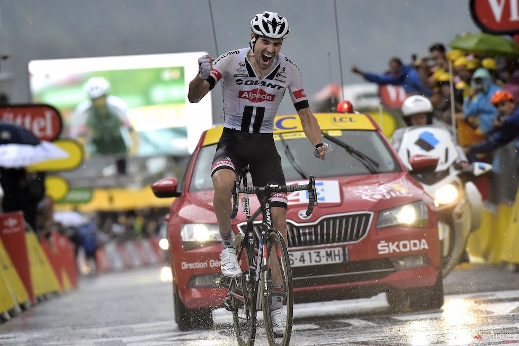 Tom Dumoulin wins summit finish in Andorra