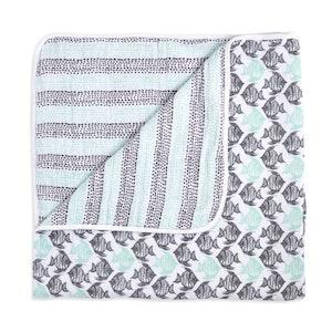 aden + anais white label seaside classic muslin dream blanket