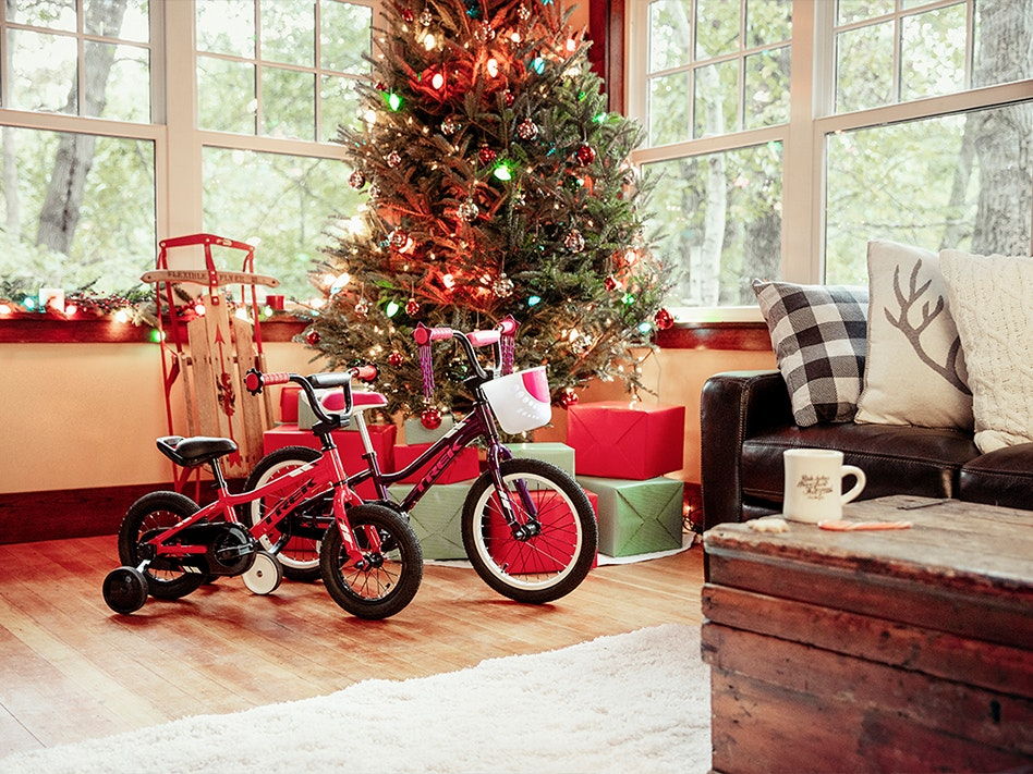 Christmas tree with presents and bikes