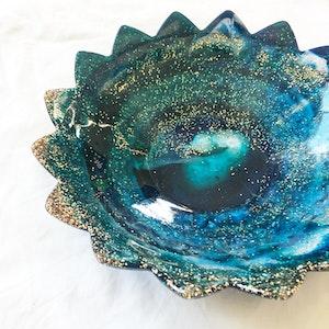 Large Handmade Resin Flower Bowl - Turqouise/Navy