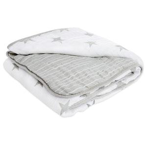 aden dusty - stars muslin blanket