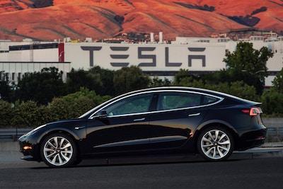Should Insurance Companies Be Worried By Tesla's Initiative?