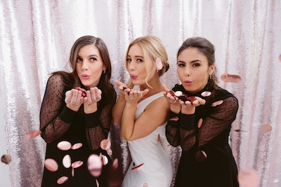 BRIDESMAID DUTIES: WHAT YOU NEED TO KNOW