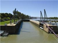 The Murray locks and weirs system keeps pool levels high