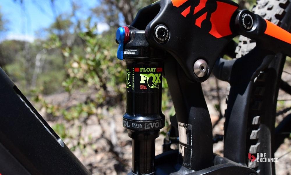 2018-giant-full-e-1-pro-electric-mountain-bike-6-jpg
