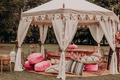 A PINK ARABIAN NIGHTS PICNIC PARTY