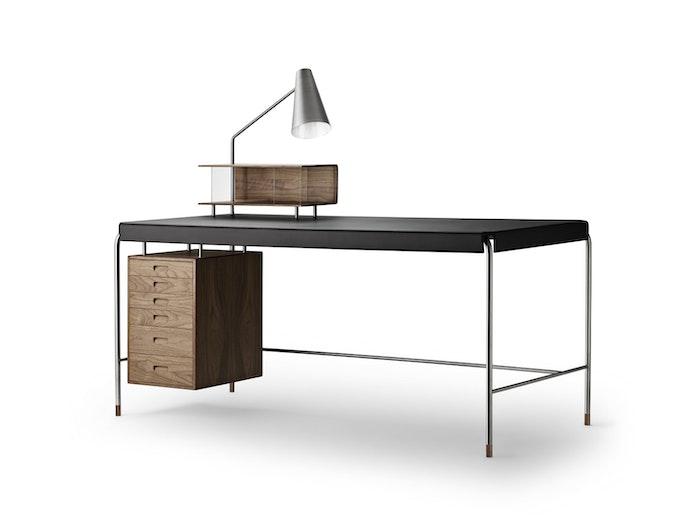 carl-hansen-jacobsen_aj52-society-table-walnut-freja2002-jpg