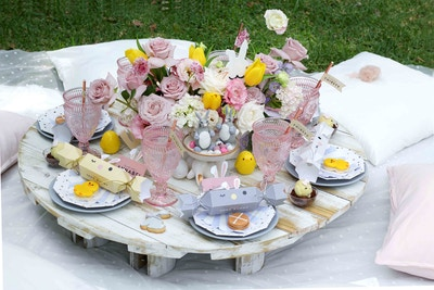 A PRETTY PICNIC FOR EASTER