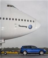 VW shows  good design, weight  and traction is everything in Jumbo jet towing test