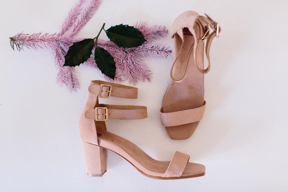 LENZO Christmas Gift Ideas Bared Shoes