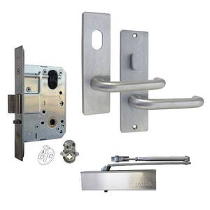 Kaba MS2 Entrance Full Door Furniture Lock Kit with 600 Series Square End Plates and Closer