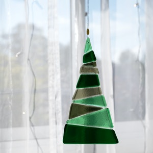 Ornament   Green Christmas tree - large