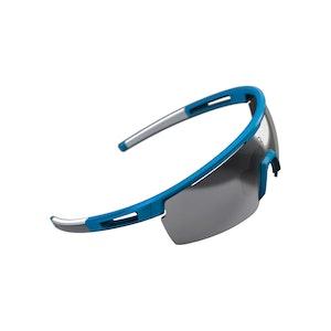 Avenger Sportsglasses Light Blue, Smoke Lens