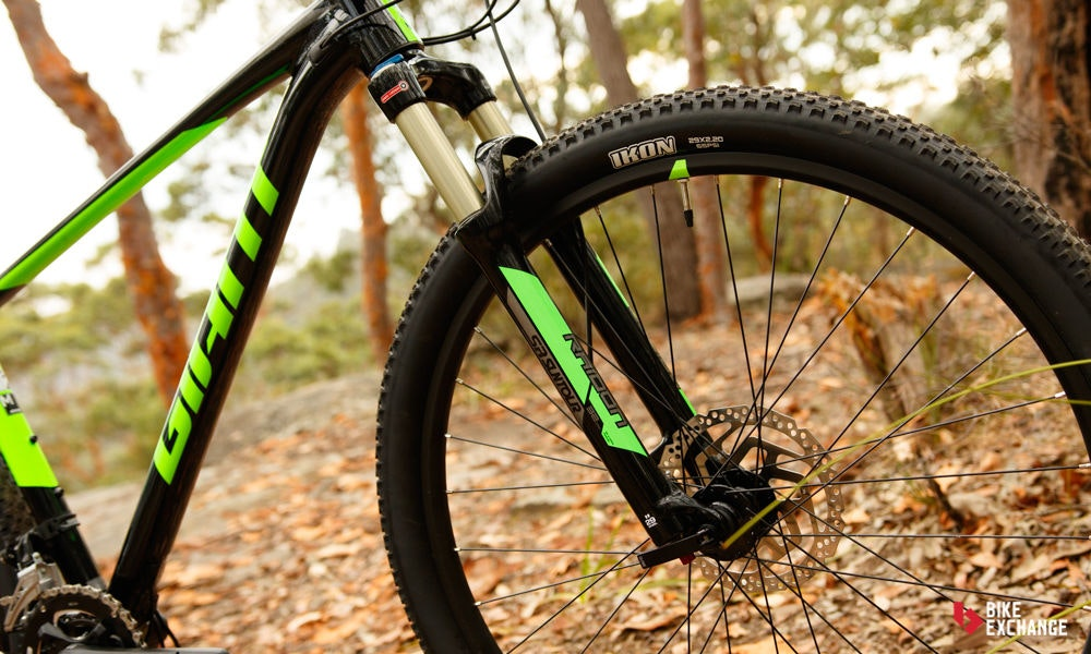 fullpage Giant Fathom 29er 2 2017 mountain bike review bikeexchange 14