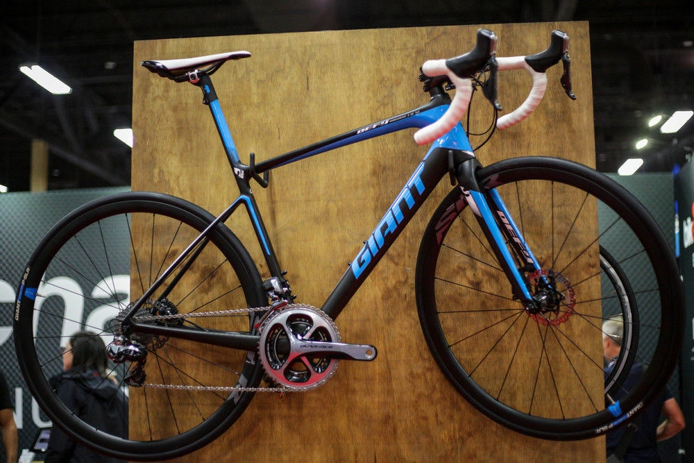 fullpage GiantDefy