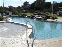 The  pool and spa area Anglesea Beachside Family Caravan Park