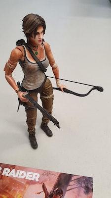 Tomb Raider Collectors Figure and Art Book (No Game)