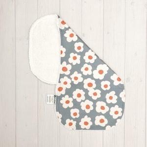 Grubbee Vintage Floral Burp Cloth