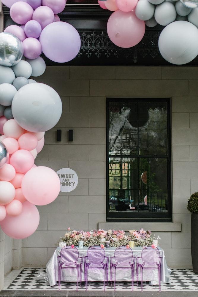 LENZO Boutiqe Balloons Installation Melbourne