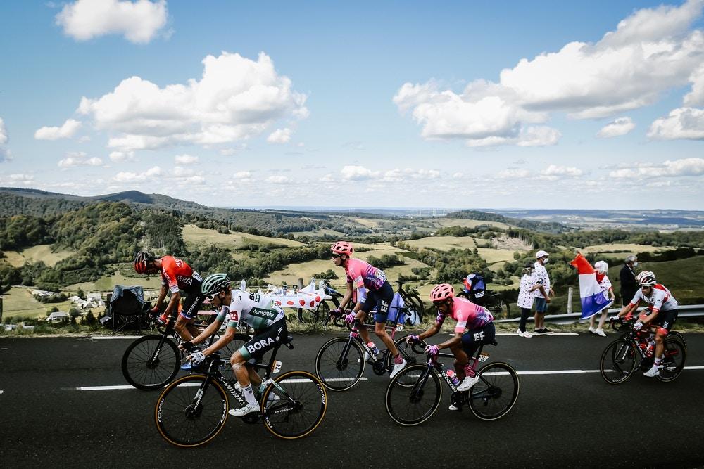 Daniel Martínez Logra la Victoria en el Ascenso del Puy Mary - Tour de Francia Etapa 13