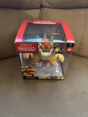World Of Nintendo Bowser Figurine