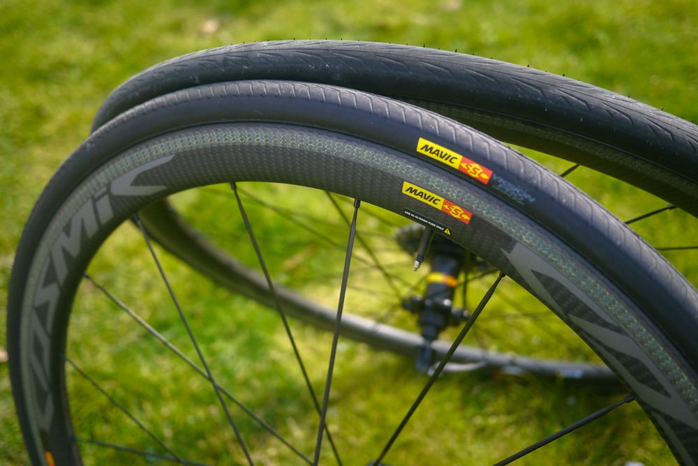 fullpage Mavic Wheels from the side