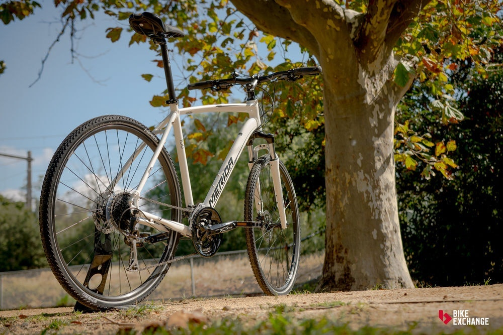 bicicletas-barra-plana-vs-hibridas-vs-urbanas-hibrida-jpg