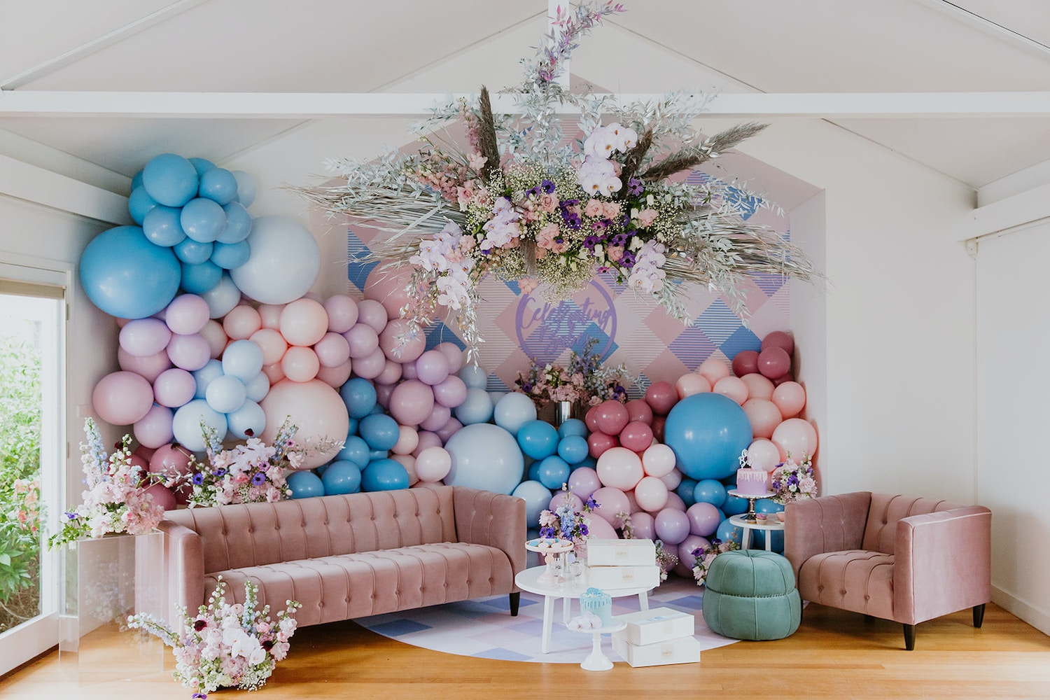 A PRETTY PASTEL GENDER REVEAL PARTY