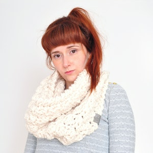 Cloud • Cowl • Crochet Chunky Knit • Colour: VANILLA