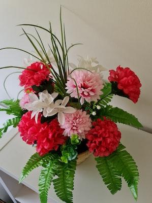 Fatima Rasoli Pink flower basket
