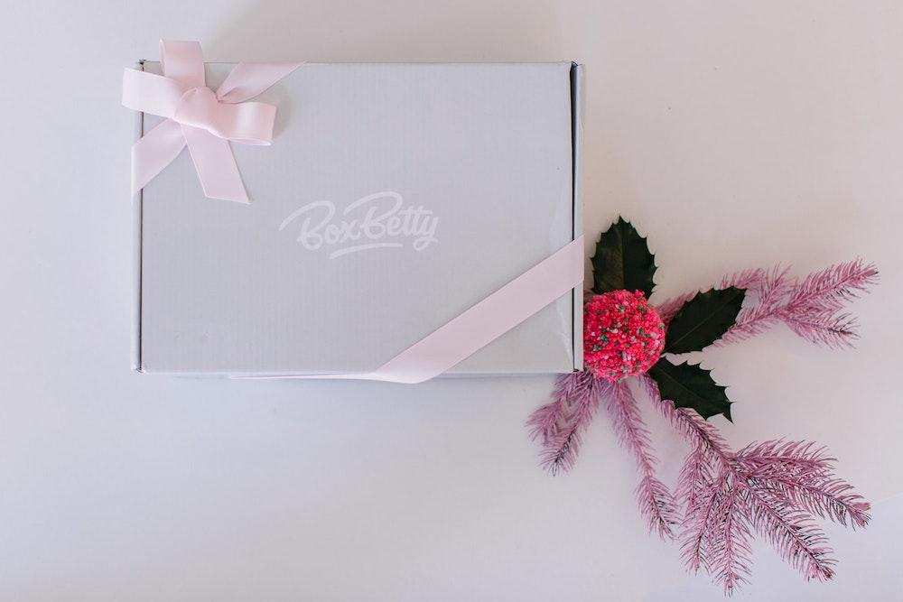 LENZO Christmas Present Ideas Box Betty