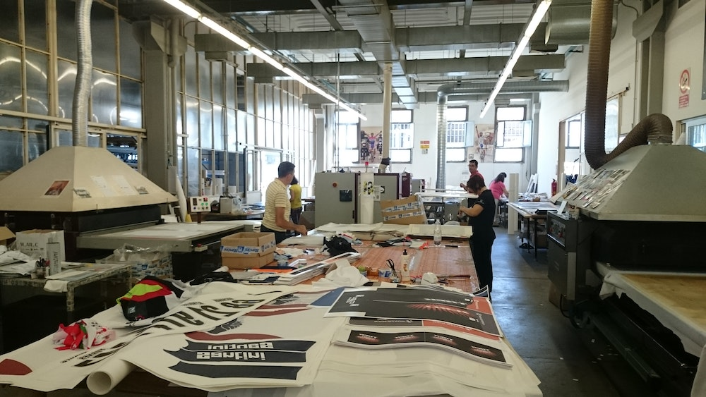 custom cycling clothing buyers guide screen printing process santini