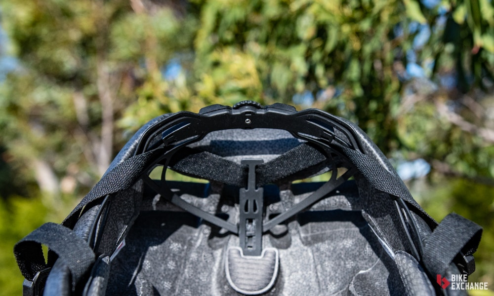 giant-pursuit-aero-helmet-review-retention-jpg