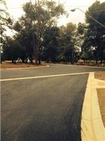 Entrance road to Kapunda Tourist Park.
