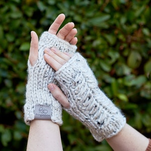 Pine Ridge • Fingerless Mittens • Chunky Knit • Colour: COCONUT