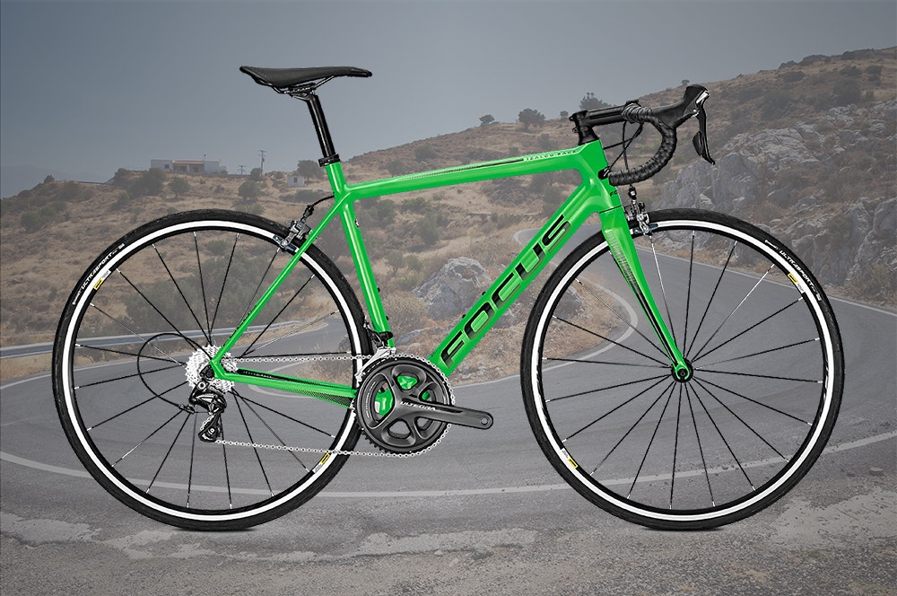 best-mid-range-traditional-road-bikes-under-3500-focus-izalco-race-ultegra-jpg
