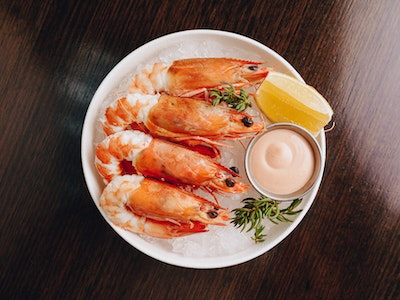 Chilled King Prawns (QLD) with Marie Rose, Fresh Lemon (4pc)