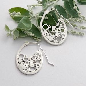 Oval pop drop earrings