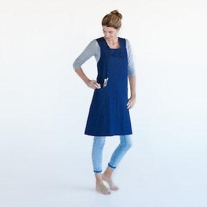 Apron Artist Joy, 100% Organic Denim, with simple size adjustable tie at back