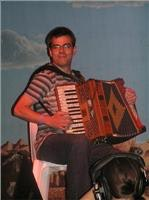 Alan Kelly makes accordian an art form