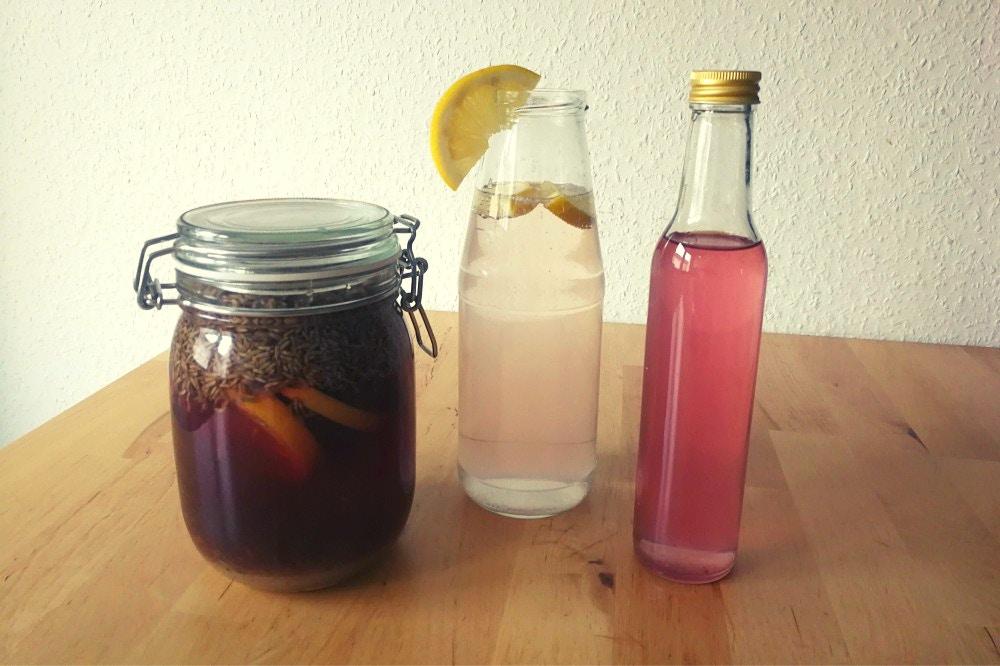 DIY: Lavendellikör und Lavendellimonade für deine Hochzeit