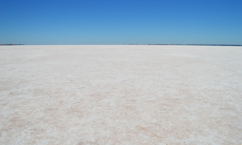 champagne-pink-salt-crystals-of-lake-tyrrell-jpg