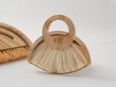 Kayu&Co. Wooden Dustpan & Brush Set - Small