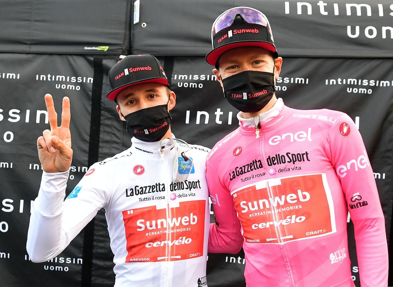 Jai Hindley Gana la batalla en el Stelvio - Giro d'Italia Etapa 18