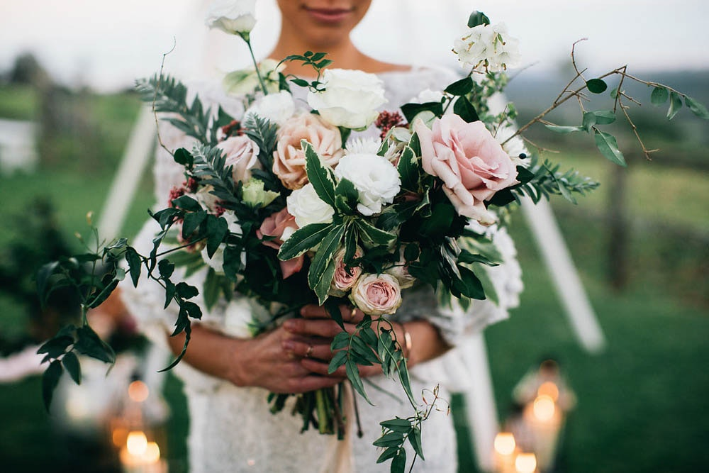 LENZO Floral and Mineral Bouquet Wedding