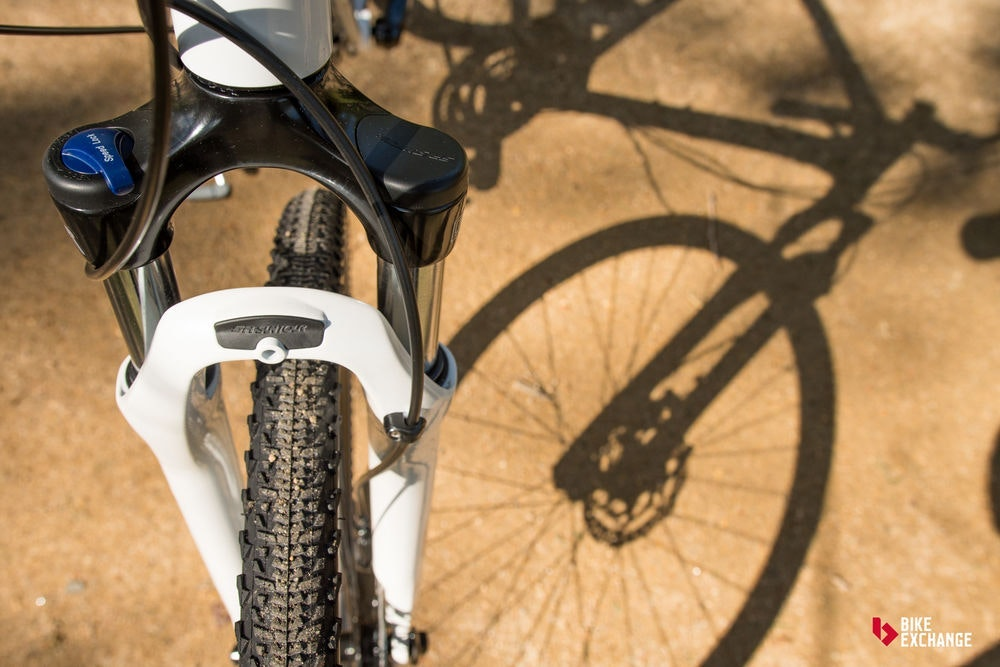 bicicletas-barra-plana-vs-hibridas-vs-urbanas-hibrida-suspension-jpg