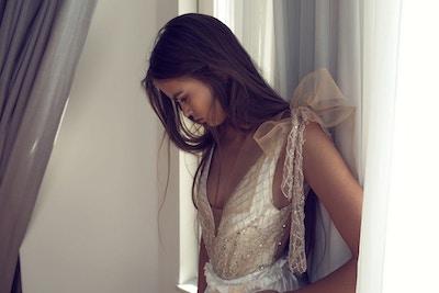 STATEMENT BOW WEDDING DRESSES