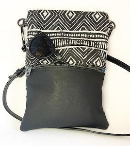 BLACK AZTEC SMALL HIP BAG