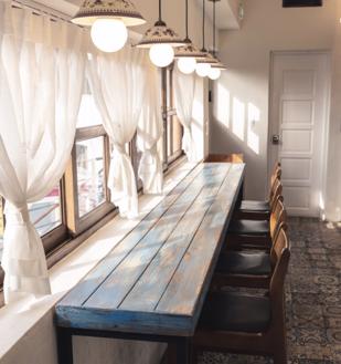 hoomed_interieur_inrichten_meubels_hout_tafel_rustiek_5-png